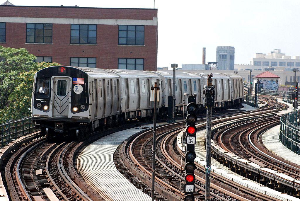 (200k, 1024x686)<br><b>Country:</b> United States<br><b>City:</b> New York<br><b>System:</b> New York City Transit<br><b>Line:</b> BMT Astoria Line<br><b>Location:</b> 39th/Beebe Aves. <br><b>Route:</b> N<br><b>Car:</b> R-160A/R-160B Series (Number Unknown)  <br><b>Photo by:</b> Richard Chase<br><b>Date:</b> 8/30/2009<br><b>Viewed (this week/total):</b> 1 / 1381
