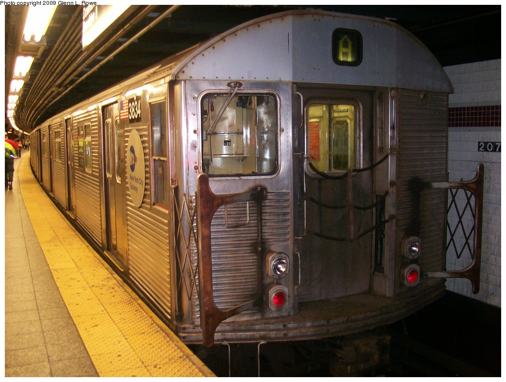 (215k, 1044x788)<br><b>Country:</b> United States<br><b>City:</b> New York<br><b>System:</b> New York City Transit<br><b>Line:</b> IND 8th Avenue Line<br><b>Location:</b> 207th Street <br><b>Route:</b> A<br><b>Car:</b> R-32 (Budd, 1964)  3834 <br><b>Photo by:</b> Glenn L. Rowe<br><b>Date:</b> 10/2/2009<br><b>Viewed (this week/total):</b> 3 / 938