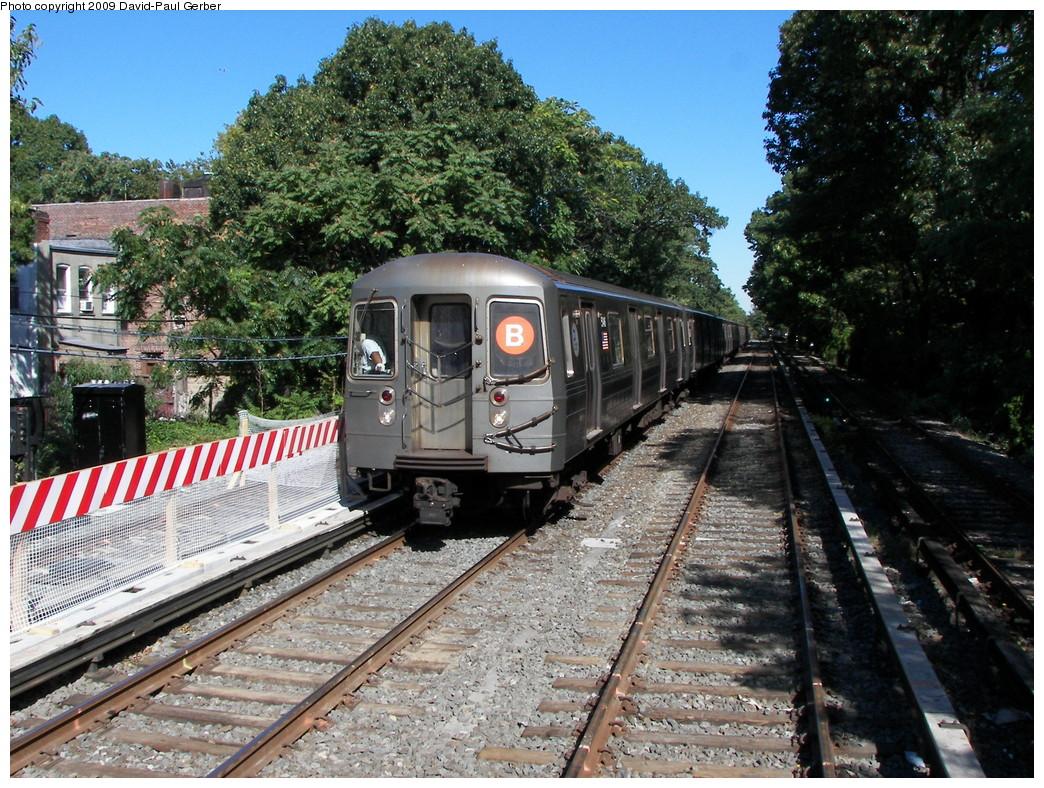 (381k, 1044x788)<br><b>Country:</b> United States<br><b>City:</b> New York<br><b>System:</b> New York City Transit<br><b>Line:</b> BMT Brighton Line<br><b>Location:</b> Avenue J <br><b>Route:</b> B<br><b>Car:</b> R-68A (Kawasaki, 1988-1989)   <br><b>Photo by:</b> David-Paul Gerber<br><b>Date:</b> 10/6/2009<br><b>Viewed (this week/total):</b> 0 / 958