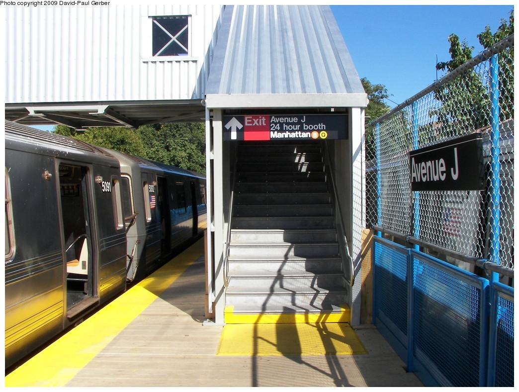 (325k, 1044x788)<br><b>Country:</b> United States<br><b>City:</b> New York<br><b>System:</b> New York City Transit<br><b>Line:</b> BMT Brighton Line<br><b>Location:</b> Avenue J <br><b>Photo by:</b> David-Paul Gerber<br><b>Date:</b> 10/6/2009<br><b>Notes:</b> Exit from temporary sb platform<br><b>Viewed (this week/total):</b> 4 / 1056