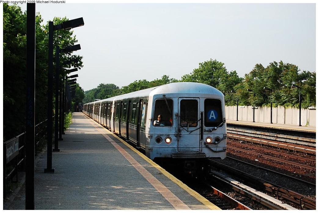 (261k, 1044x699)<br><b>Country:</b> United States<br><b>City:</b> New York<br><b>System:</b> New York City Transit<br><b>Line:</b> IND Rockaway<br><b>Location:</b> Aqueduct/North Conduit Avenue <br><b>Route:</b> A<br><b>Car:</b> R-44 (St. Louis, 1971-73) 5218 <br><b>Photo by:</b> Michael Hodurski<br><b>Date:</b> 6/8/2009<br><b>Viewed (this week/total):</b> 1 / 858