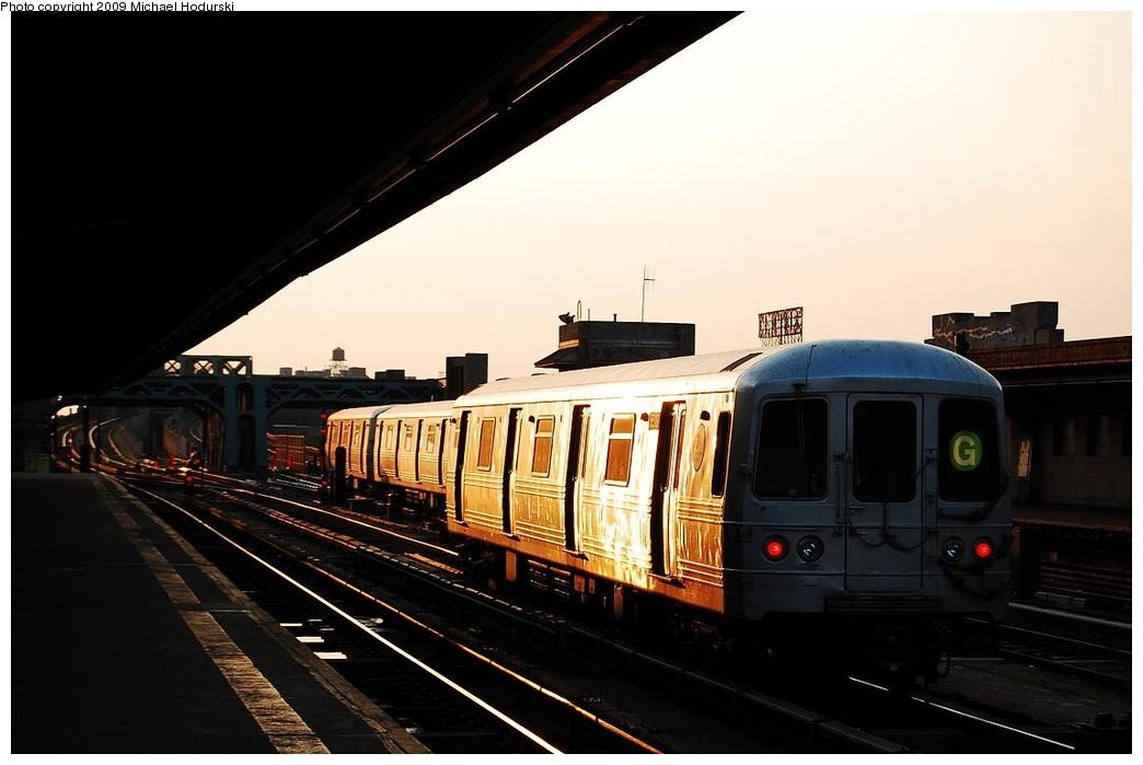 (168k, 1044x699)<br><b>Country:</b> United States<br><b>City:</b> New York<br><b>System:</b> New York City Transit<br><b>Line:</b> IND Crosstown Line<br><b>Location:</b> 4th Avenue <br><b>Route:</b> G<br><b>Car:</b> R-46 (Pullman-Standard, 1974-75) 5518 <br><b>Photo by:</b> Michael Hodurski<br><b>Date:</b> 6/8/2009<br><b>Viewed (this week/total):</b> 0 / 878