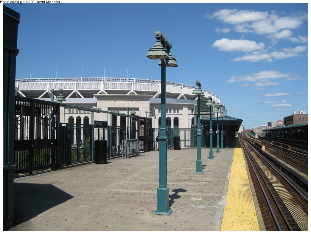 (195k, 1044x788)<br><b>Country:</b> United States<br><b>City:</b> New York<br><b>System:</b> New York City Transit<br><b>Line:</b> IRT Woodlawn Line<br><b>Location:</b> 161st Street/River Avenue (Yankee Stadium) <br><b>Photo by:</b> David M. <br><b>Date:</b> 9/1/2009<br><b>Notes:</b> View of new Stadium.<br><b>Viewed (this week/total):</b> 1 / 1222