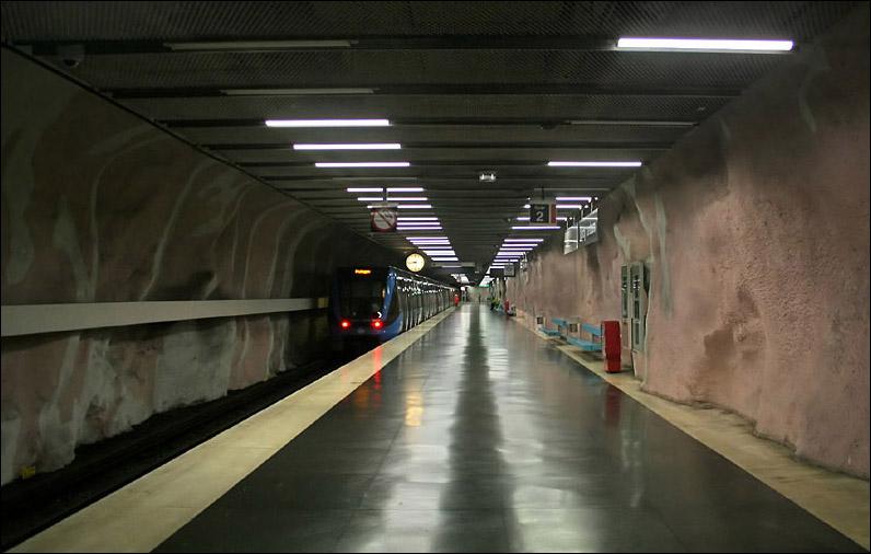 (99k, 796x506)<br><b>Country:</b> Sweden<br><b>City:</b> Stockholm<br><b>System:</b> Storstockholms Lokaltrafik<br><b>Line:</b> Tunnelbana Red Line<br><b>Location:</b> Mörby centrum<br><b>Photo by:</b> Matthias Frey<br><b>Date:</b> 10/30/2008<br><b>Viewed (this week/total):</b> 0 / 508