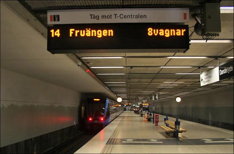 (116k, 796x524)<br><b>Country:</b> Sweden<br><b>City:</b> Stockholm<br><b>System:</b> Storstockholms Lokaltrafik<br><b>Line:</b> Tunnelbana Red Line<br><b>Location:</b> Danderyds sjukhus<br><b>Photo by:</b> Matthias Frey<br><b>Date:</b> 10/30/2008<br><b>Viewed (this week/total):</b> 1 / 522
