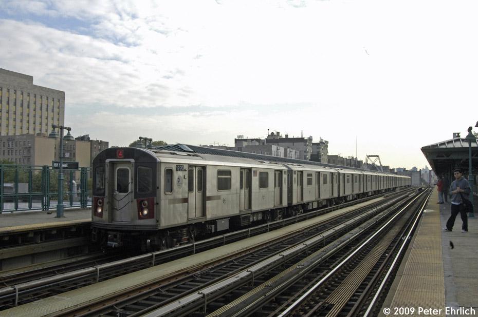 (177k, 930x618)<br><b>Country:</b> United States<br><b>City:</b> New York<br><b>System:</b> New York City Transit<br><b>Line:</b> IRT Woodlawn Line<br><b>Location:</b> 161st Street/River Avenue (Yankee Stadium) <br><b>Route:</b> 4<br><b>Car:</b> R-142 (Option Order, Bombardier, 2002-2003)  1220 <br><b>Photo by:</b> Peter Ehrlich<br><b>Date:</b> 10/9/2009<br><b>Notes:</b> Outbound.<br><b>Viewed (this week/total):</b> 1 / 1096