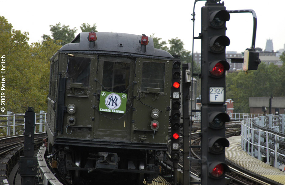 (184k, 930x603)<br><b>Country:</b> United States<br><b>City:</b> New York<br><b>System:</b> New York City Transit<br><b>Line:</b> IRT White Plains Road Line<br><b>Location:</b> Jackson Avenue <br><b>Route:</b> Fan Trip<br><b>Car:</b> Low-V (Museum Train) 5292 <br><b>Photo by:</b> Peter Ehrlich<br><b>Date:</b> 10/9/2009<br><b>Notes:</b> Yankee Stadium Special--inbound to Grand Central for passenger service. Trailing view.<br><b>Viewed (this week/total):</b> 0 / 1421