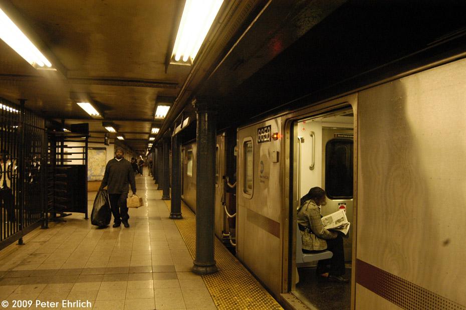 (200k, 930x618)<br><b>Country:</b> United States<br><b>City:</b> New York<br><b>System:</b> New York City Transit<br><b>Line:</b> IRT Lenox Line<br><b>Location:</b> 125th Street <br><b>Route:</b> 2<br><b>Car:</b> R-142 (Primary Order, Bombardier, 1999-2002)  6650 <br><b>Photo by:</b> Peter Ehrlich<br><b>Date:</b> 10/9/2009<br><b>Notes:</b> Outbound.<br><b>Viewed (this week/total):</b> 0 / 1842