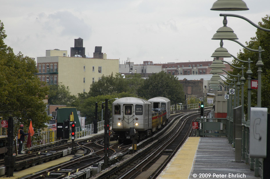 (196k, 930x616)<br><b>Country:</b> United States<br><b>City:</b> New York<br><b>System:</b> New York City Transit<br><b>Line:</b> IRT White Plains Road Line<br><b>Location:</b> Jackson Avenue <br><b>Route:</b> Work Service<br><b>Car:</b> R-127/R-134 (Kawasaki, 1991-1996) EP002 <br><b>Photo by:</b> Peter Ehrlich<br><b>Date:</b> 10/9/2009<br><b>Notes:</b> Inbound.<br><b>Viewed (this week/total):</b> 2 / 1328