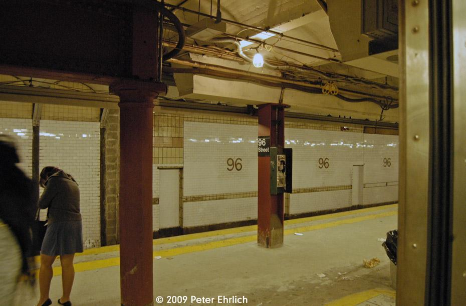 (197k, 930x612)<br><b>Country:</b> United States<br><b>City:</b> New York<br><b>System:</b> New York City Transit<br><b>Line:</b> IRT West Side Line<br><b>Location:</b> 96th Street <br><b>Photo by:</b> Peter Ehrlich<br><b>Date:</b> 10/9/2009<br><b>Notes:</b> Tilework.<br><b>Viewed (this week/total):</b> 0 / 880