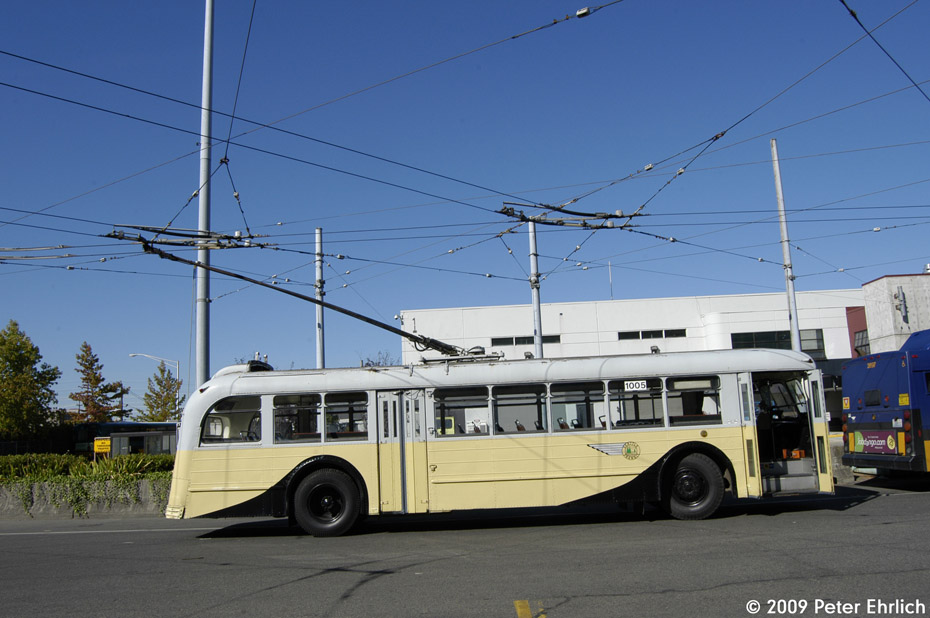 (173k, 930x618)<br><b>Country:</b> United States<br><b>City:</b> Seattle, WA<br><b>System:</b> King Country Metro<br><b>Car:</b> Seattle Trolley Coach 1005 <br><b>Photo by:</b> Peter Ehrlich<br><b>Date:</b> 9/11/2009<br><b>Notes:</b> Atlantic Base.<br><b>Viewed (this week/total):</b> 1 / 1607