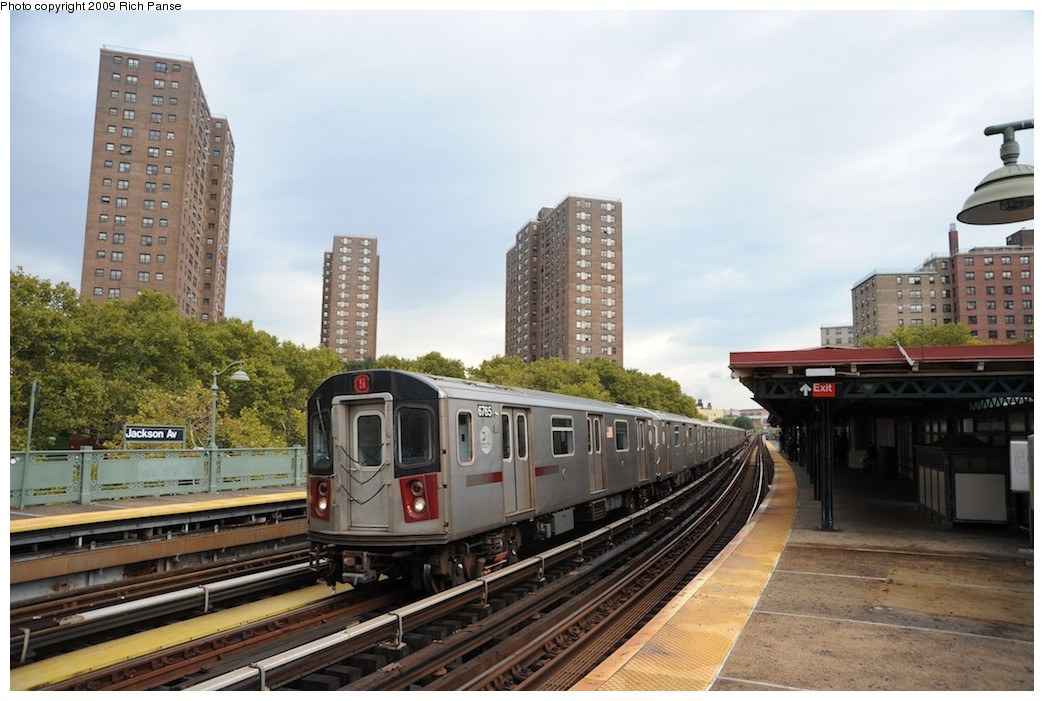 (180k, 1044x701)<br><b>Country:</b> United States<br><b>City:</b> New York<br><b>System:</b> New York City Transit<br><b>Line:</b> IRT White Plains Road Line<br><b>Location:</b> Jackson Avenue <br><b>Route:</b> 5<br><b>Car:</b> R-142 (Primary Order, Bombardier, 1999-2002)  6765 <br><b>Photo by:</b> Richard Panse<br><b>Date:</b> 10/9/2009<br><b>Viewed (this week/total):</b> 5 / 1299