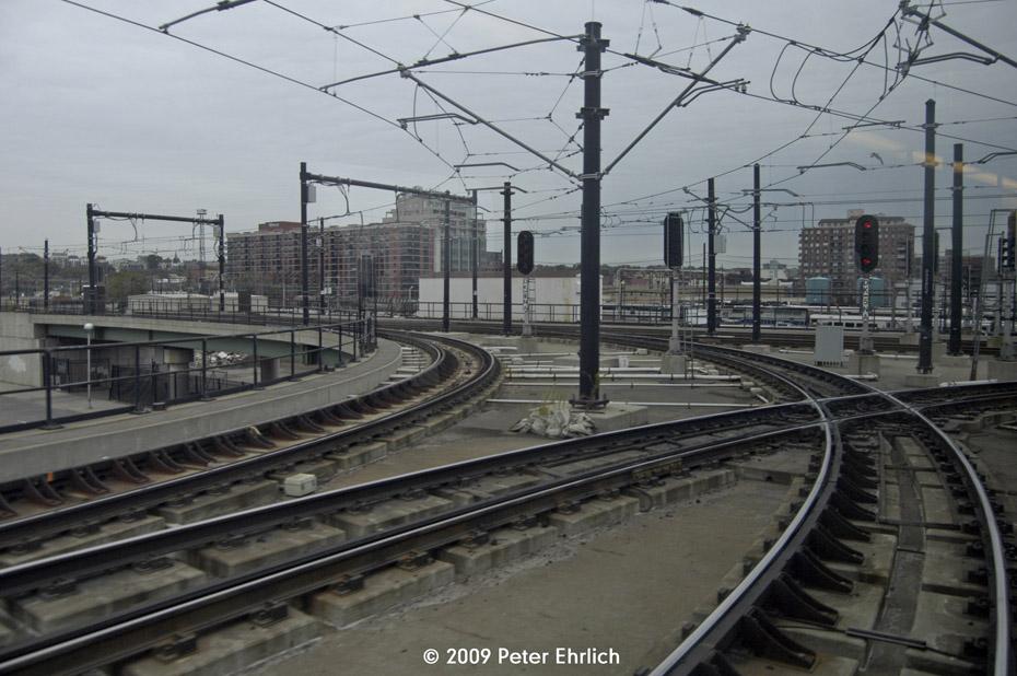 (195k, 930x618)<br><b>Country:</b> United States<br><b>City:</b> Jersey City, NJ<br><b>System:</b> Hudson Bergen Light Rail<br><b>Location:</b> Between Newport & Hoboken <br><b>Photo by:</b> Peter Ehrlich<br><b>Date:</b> 10/9/2009<br><b>Notes:</b> Hoboken Wye<br><b>Viewed (this week/total):</b> 0 / 551
