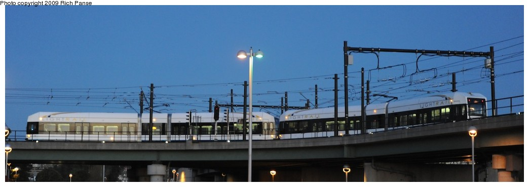(83k, 1044x369)<br><b>Country:</b> United States<br><b>City:</b> Jersey City, NJ<br><b>System:</b> Hudson Bergen Light Rail<br><b>Location:</b> Between Newport & Hoboken <br><b>Photo by:</b> Richard Panse<br><b>Date:</b> 10/8/2009<br><b>Notes:</b> Hoboken Wye<br><b>Viewed (this week/total):</b> 0 / 404