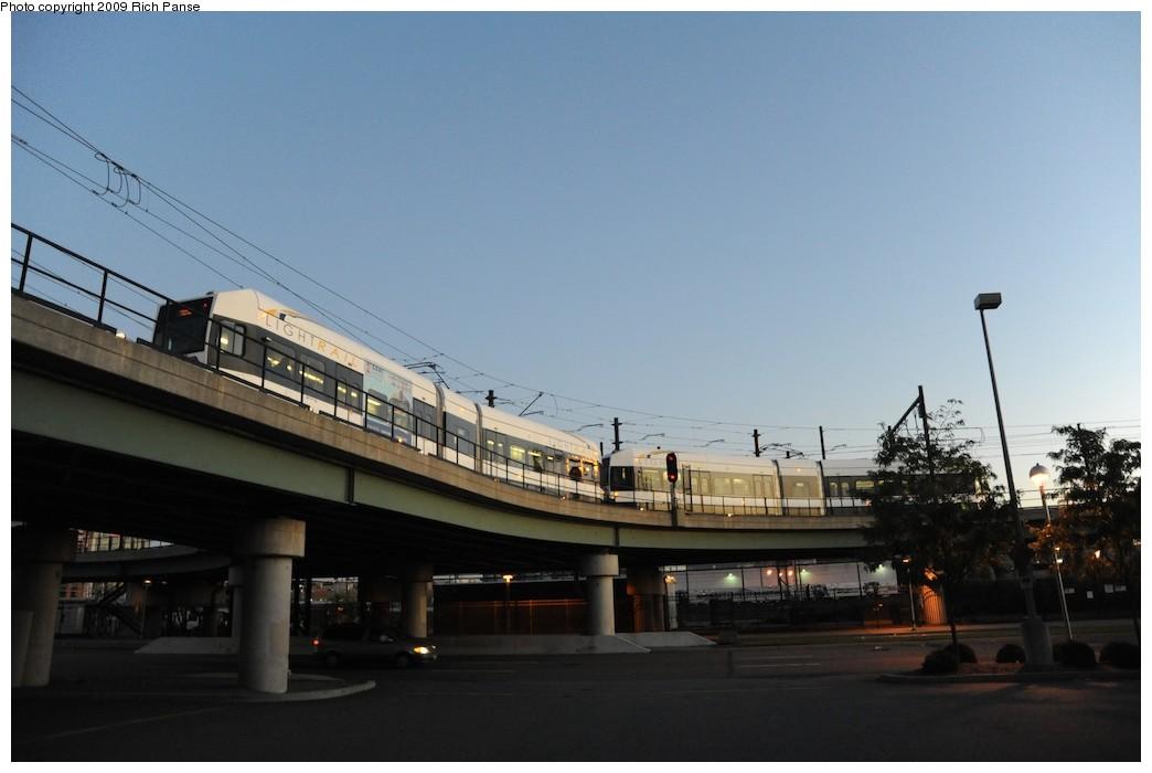 (127k, 1044x700)<br><b>Country:</b> United States<br><b>City:</b> Jersey City, NJ<br><b>System:</b> Hudson Bergen Light Rail<br><b>Location:</b> Between Newport & Hoboken <br><b>Photo by:</b> Richard Panse<br><b>Date:</b> 10/8/2009<br><b>Notes:</b> Hoboken Wye<br><b>Viewed (this week/total):</b> 0 / 333