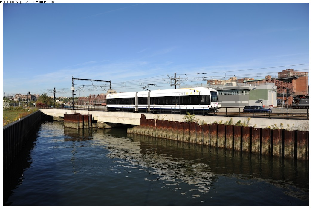 (154k, 1044x701)<br><b>Country:</b> United States<br><b>City:</b> Hoboken, NJ<br><b>System:</b> Hudson Bergen Light Rail<br><b>Location:</b> Hoboken <br><b>Photo by:</b> Richard Panse<br><b>Date:</b> 10/11/2009<br><b>Viewed (this week/total):</b> 0 / 518