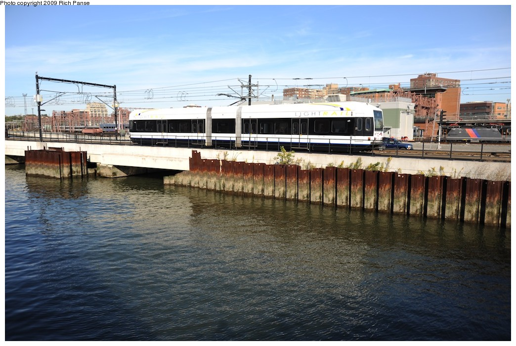 (204k, 1044x701)<br><b>Country:</b> United States<br><b>City:</b> Hoboken, NJ<br><b>System:</b> Hudson Bergen Light Rail<br><b>Location:</b> Hoboken <br><b>Photo by:</b> Richard Panse<br><b>Date:</b> 10/11/2009<br><b>Viewed (this week/total):</b> 0 / 441