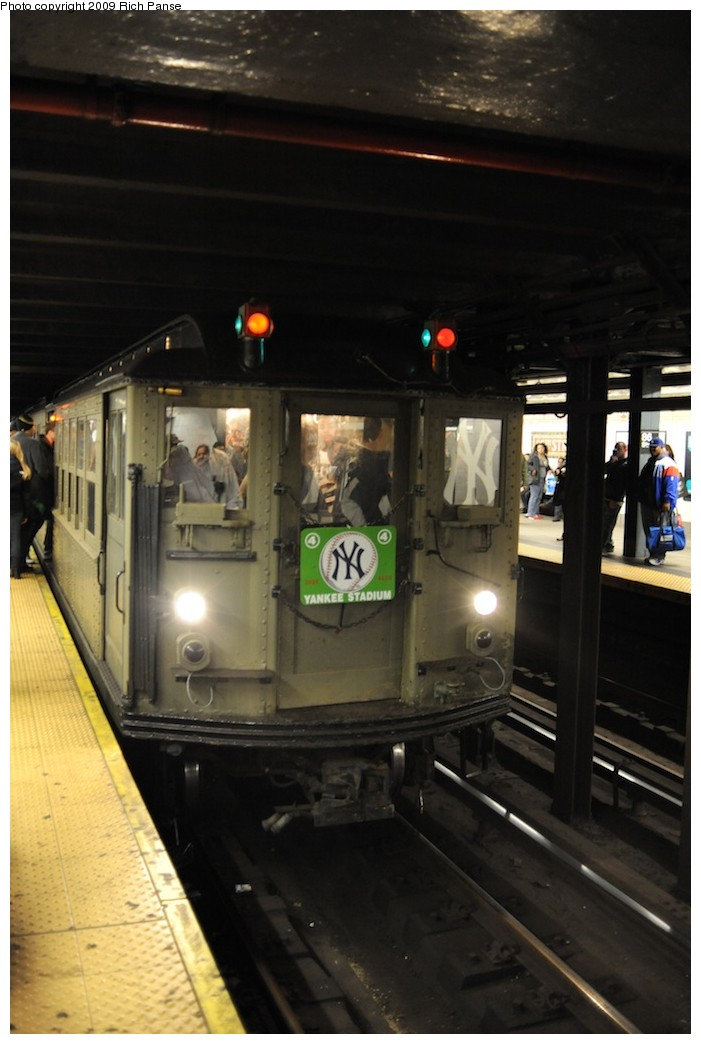 (142k, 701x1044)<br><b>Country:</b> United States<br><b>City:</b> New York<br><b>System:</b> New York City Transit<br><b>Line:</b> IRT East Side Line<br><b>Location:</b> Grand Central <br><b>Route:</b> Fan Trip<br><b>Car:</b> Low-V (Museum Train)  <br><b>Photo by:</b> Richard Panse<br><b>Date:</b> 10/16/2009<br><b>Notes:</b> Yankees special.<br><b>Viewed (this week/total):</b> 1 / 849