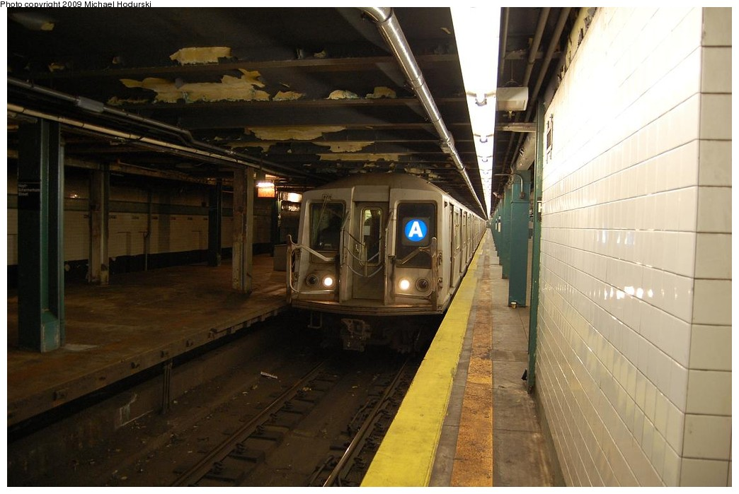 (194k, 1044x699)<br><b>Country:</b> United States<br><b>City:</b> New York<br><b>System:</b> New York City Transit<br><b>Line:</b> IND Fulton Street Line<br><b>Location:</b> Hoyt-Schermerhorn Street <br><b>Route:</b> A<br><b>Car:</b> R-40 (St. Louis, 1968)  4437 <br><b>Photo by:</b> Michael Hodurski<br><b>Date:</b> 4/8/2008<br><b>Viewed (this week/total):</b> 3 / 1797