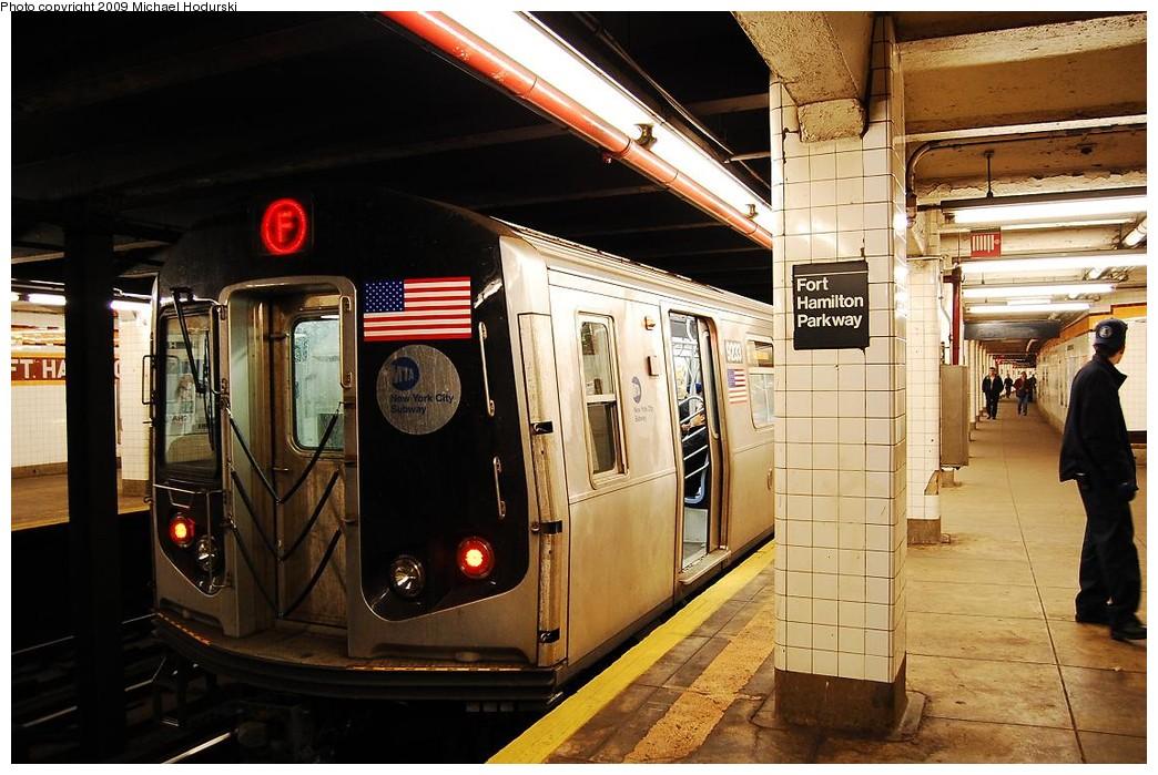 (242k, 1044x699)<br><b>Country:</b> United States<br><b>City:</b> New York<br><b>System:</b> New York City Transit<br><b>Line:</b> IND Crosstown Line<br><b>Location:</b> Fort Hamilton Parkway <br><b>Route:</b> F<br><b>Car:</b> R-160A (Option 1) (Alstom, 2008-2009, 5 car sets)  9233 <br><b>Photo by:</b> Michael Hodurski<br><b>Date:</b> 4/8/2008<br><b>Viewed (this week/total):</b> 0 / 1699