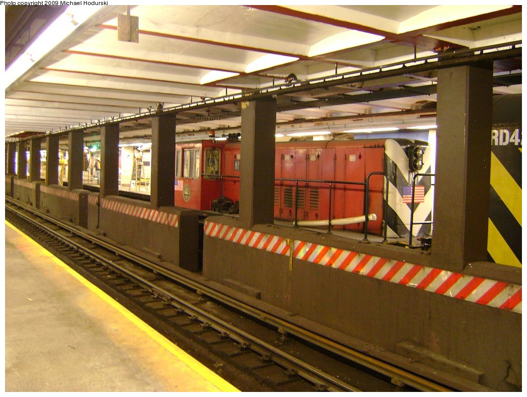 (239k, 1044x788)<br><b>Country:</b> United States<br><b>City:</b> New York<br><b>System:</b> New York City Transit<br><b>Line:</b> IND 8th Avenue Line<br><b>Location:</b> Jay St./Metrotech (Borough Hall) <br><b>Route:</b> Work Service<br><b>Car:</b> R-47 (SBK) Locomotive  N1 <br><b>Photo by:</b> Michael Hodurski<br><b>Date:</b> 3/8/2009<br><b>Viewed (this week/total):</b> 2 / 1367