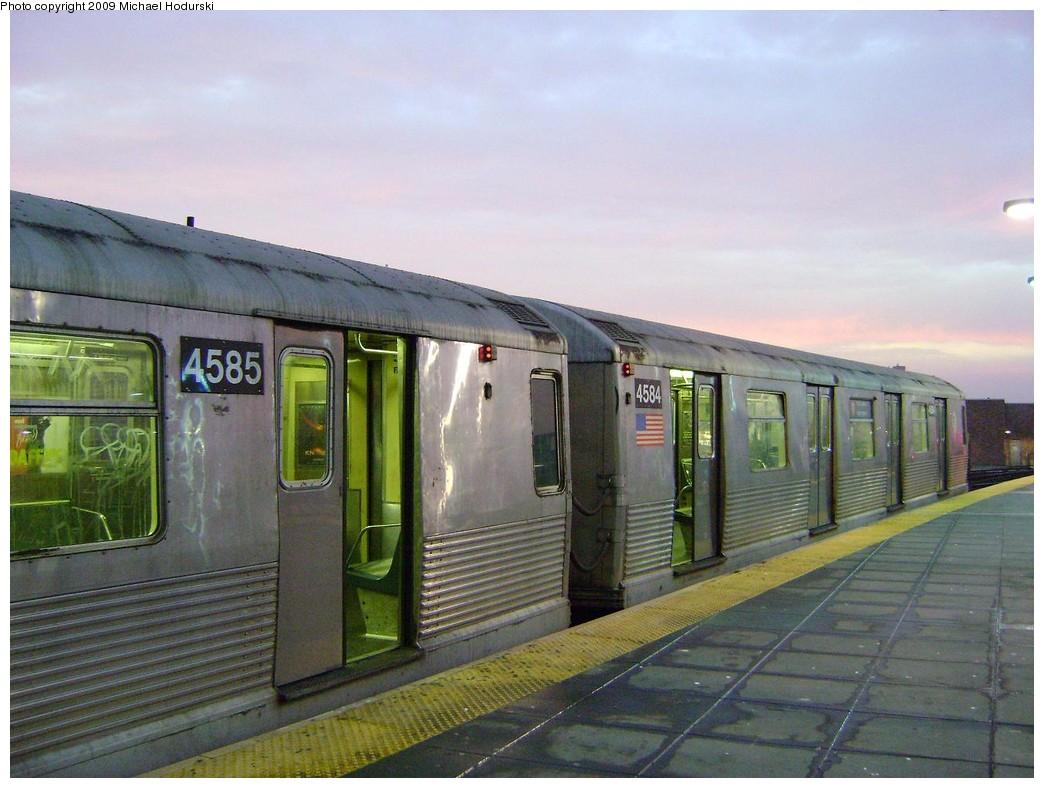 (213k, 1044x788)<br><b>Country:</b> United States<br><b>City:</b> New York<br><b>System:</b> New York City Transit<br><b>Location:</b> Coney Island/Stillwell Avenue<br><b>Route:</b> F<br><b>Car:</b> R-42 (St. Louis, 1969-1970)  4584 <br><b>Photo by:</b> Michael Hodurski<br><b>Date:</b> 3/11/2009<br><b>Viewed (this week/total):</b> 0 / 1391