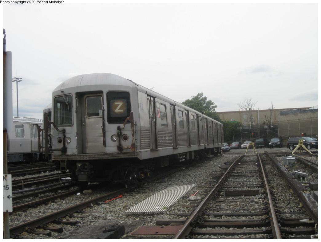 (171k, 1044x788)<br><b>Country:</b> United States<br><b>City:</b> New York<br><b>System:</b> New York City Transit<br><b>Location:</b> East New York Yard/Shops<br><b>Car:</b> R-42 (St. Louis, 1969-1970)  4816 <br><b>Photo by:</b> Robert Mencher<br><b>Date:</b> 10/14/2009<br><b>Viewed (this week/total):</b> 0 / 665