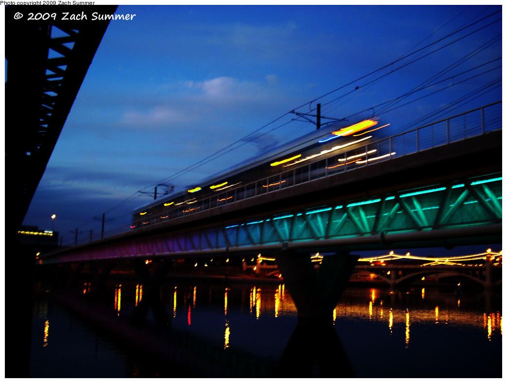 (224k, 1044x788)<br><b>Country:</b> United States<br><b>City:</b> Phoenix/Tempe, AZ<br><b>System:</b> Valley Metro <br><b>Location:</b> Salt River Bridge <br><b>Photo by:</b> Zach Summer<br><b>Date:</b> 10/10/2009<br><b>Notes:</b> Salt River Bridge lighting rotates colors.<br><b>Viewed (this week/total):</b> 0 / 539
