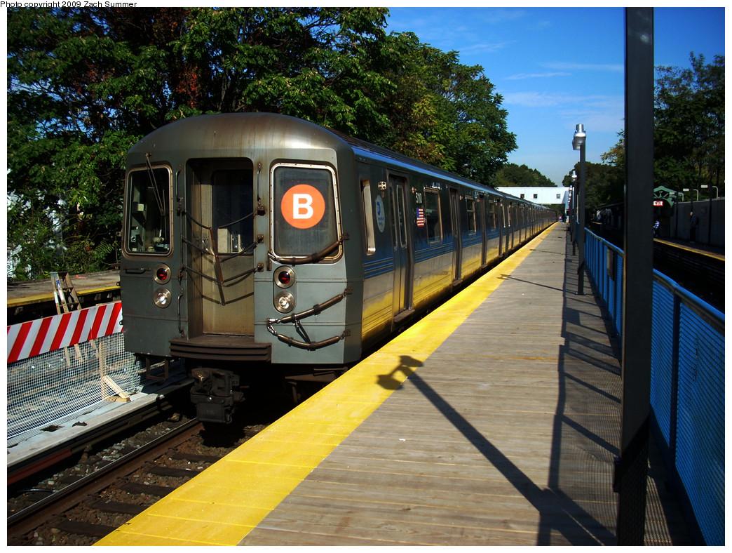 (357k, 1044x788)<br><b>Country:</b> United States<br><b>City:</b> New York<br><b>System:</b> New York City Transit<br><b>Line:</b> BMT Brighton Line<br><b>Location:</b> Avenue J <br><b>Route:</b> B<br><b>Car:</b> R-68A (Kawasaki, 1988-1989)  5110 <br><b>Photo by:</b> Zach Summer<br><b>Date:</b> 10/22/2009<br><b>Viewed (this week/total):</b> 0 / 990