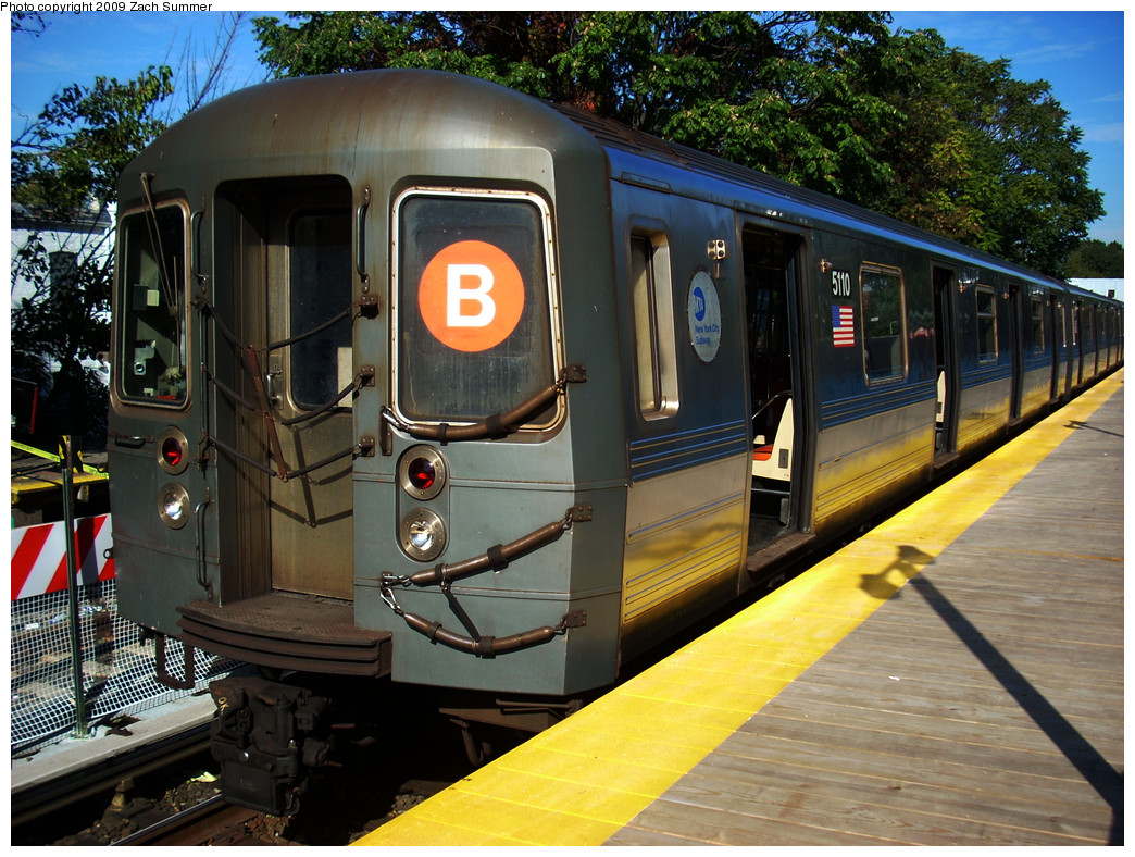 (341k, 1044x788)<br><b>Country:</b> United States<br><b>City:</b> New York<br><b>System:</b> New York City Transit<br><b>Line:</b> BMT Brighton Line<br><b>Location:</b> Avenue J <br><b>Route:</b> B<br><b>Car:</b> R-68A (Kawasaki, 1988-1989)  5110 <br><b>Photo by:</b> Zach Summer<br><b>Date:</b> 10/22/2009<br><b>Viewed (this week/total):</b> 0 / 1109