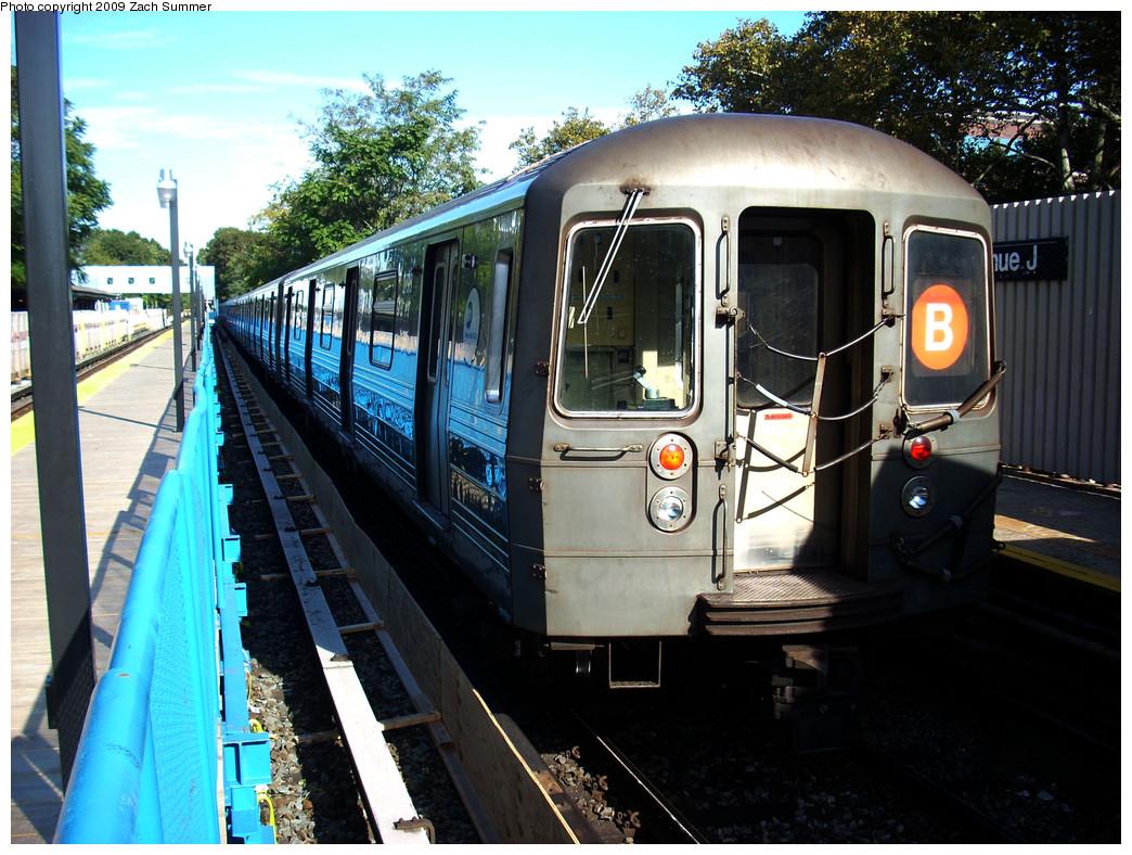 (322k, 1044x788)<br><b>Country:</b> United States<br><b>City:</b> New York<br><b>System:</b> New York City Transit<br><b>Line:</b> BMT Brighton Line<br><b>Location:</b> Avenue J <br><b>Route:</b> B<br><b>Car:</b> R-68 (Westinghouse-Amrail, 1986-1988)  2798 <br><b>Photo by:</b> Zach Summer<br><b>Date:</b> 10/22/2009<br><b>Viewed (this week/total):</b> 1 / 900