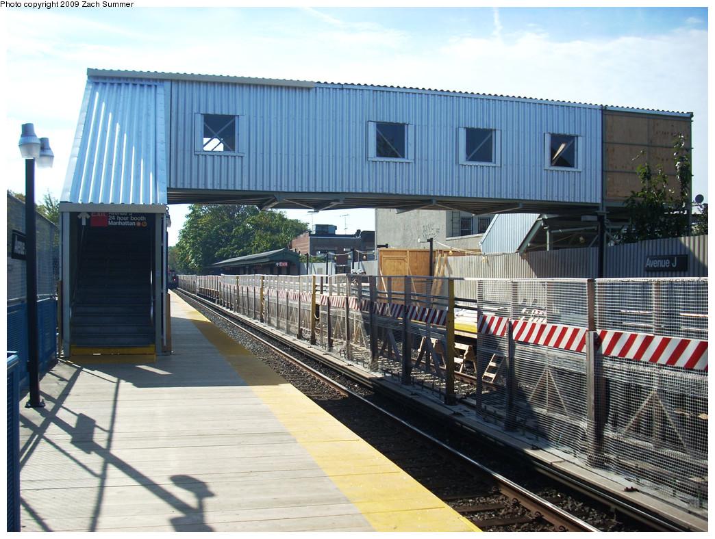 (318k, 1044x788)<br><b>Country:</b> United States<br><b>City:</b> New York<br><b>System:</b> New York City Transit<br><b>Line:</b> BMT Brighton Line<br><b>Location:</b> Avenue J <br><b>Photo by:</b> Zach Summer<br><b>Date:</b> 10/22/2009<br><b>Notes:</b> Temporary passenger crossover<br><b>Viewed (this week/total):</b> 2 / 907