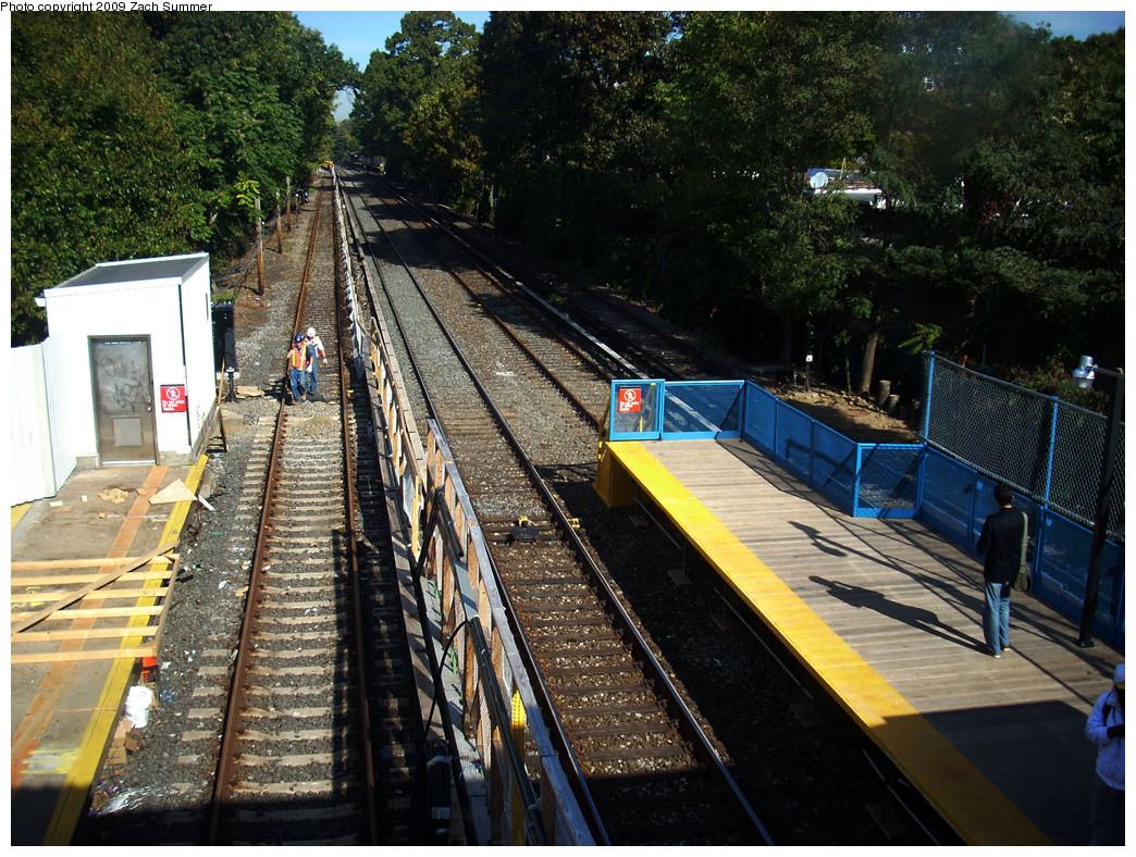 (382k, 1044x788)<br><b>Country:</b> United States<br><b>City:</b> New York<br><b>System:</b> New York City Transit<br><b>Line:</b> BMT Brighton Line<br><b>Location:</b> Avenue J <br><b>Photo by:</b> Zach Summer<br><b>Date:</b> 10/22/2009<br><b>Notes:</b> Station view<br><b>Viewed (this week/total):</b> 0 / 774