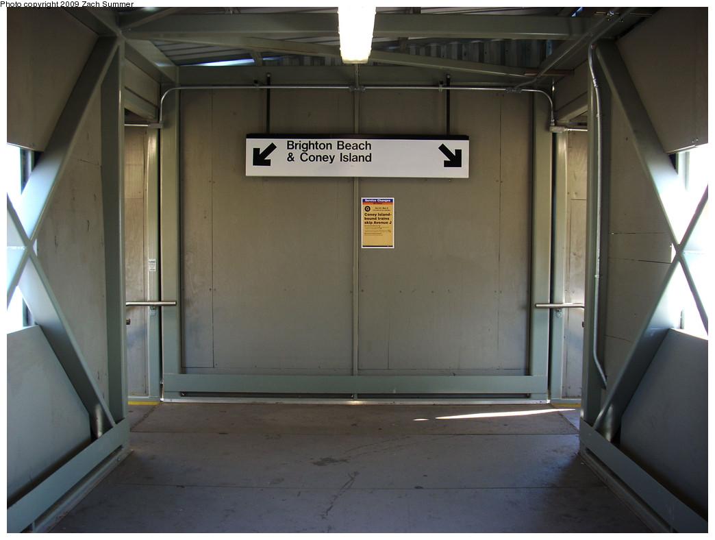 (191k, 1044x788)<br><b>Country:</b> United States<br><b>City:</b> New York<br><b>System:</b> New York City Transit<br><b>Line:</b> BMT Brighton Line<br><b>Location:</b> Avenue J <br><b>Photo by:</b> Zach Summer<br><b>Date:</b> 10/22/2009<br><b>Notes:</b> Interior view of crossover<br><b>Viewed (this week/total):</b> 2 / 947