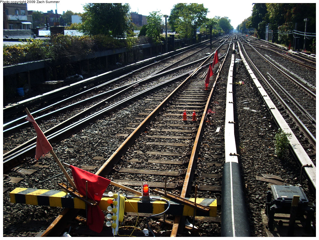 (465k, 1044x788)<br><b>Country:</b> United States<br><b>City:</b> New York<br><b>System:</b> New York City Transit<br><b>Line:</b> BMT Brighton Line<br><b>Location:</b> Kings Highway <br><b>Photo by:</b> Zach Summer<br><b>Date:</b> 10/22/2009<br><b>Notes:</b> Closed off Manhattan Bound Express Track<br><b>Viewed (this week/total):</b> 0 / 821