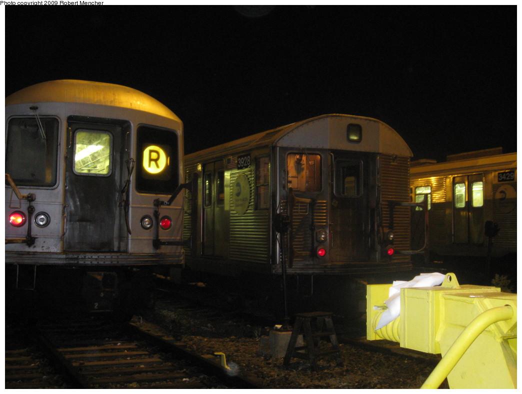 (176k, 1044x788)<br><b>Country:</b> United States<br><b>City:</b> New York<br><b>System:</b> New York City Transit<br><b>Location:</b> Jamaica Yard/Shops<br><b>Car:</b> R-32 (Budd, 1964)  3928 <br><b>Photo by:</b> Robert Mencher<br><b>Date:</b> 11/3/2009<br><b>Viewed (this week/total):</b> 2 / 1492