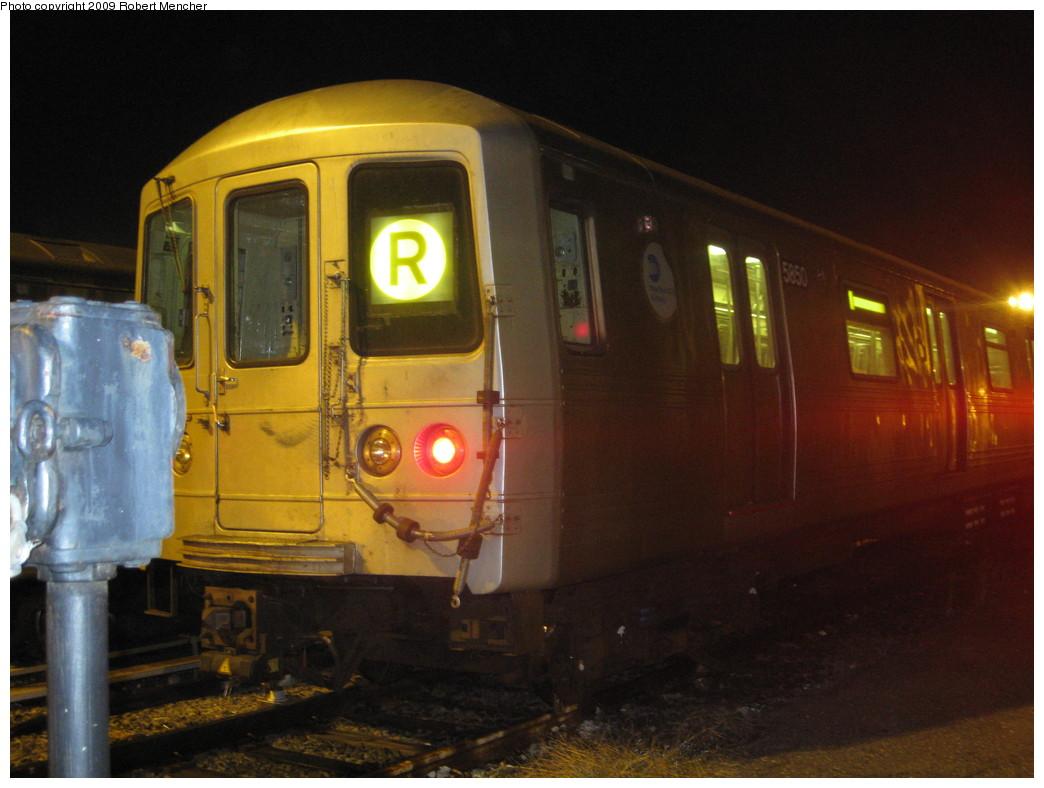 (190k, 1044x788)<br><b>Country:</b> United States<br><b>City:</b> New York<br><b>System:</b> New York City Transit<br><b>Location:</b> Jamaica Yard/Shops<br><b>Car:</b> R-46 (Pullman-Standard, 1974-75) 5850 <br><b>Photo by:</b> Robert Mencher<br><b>Date:</b> 11/3/2009<br><b>Viewed (this week/total):</b> 3 / 1053