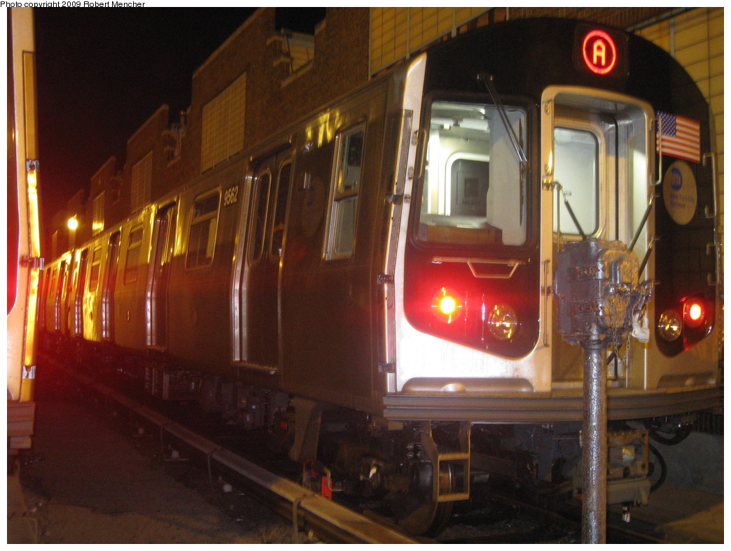 (215k, 1044x788)<br><b>Country:</b> United States<br><b>City:</b> New York<br><b>System:</b> New York City Transit<br><b>Location:</b> Jamaica Yard/Shops<br><b>Car:</b> R-160A (Option 1) (Alstom, 2008-2009, 5 car sets)  9562 <br><b>Photo by:</b> Robert Mencher<br><b>Date:</b> 11/3/2009<br><b>Viewed (this week/total):</b> 4 / 1796