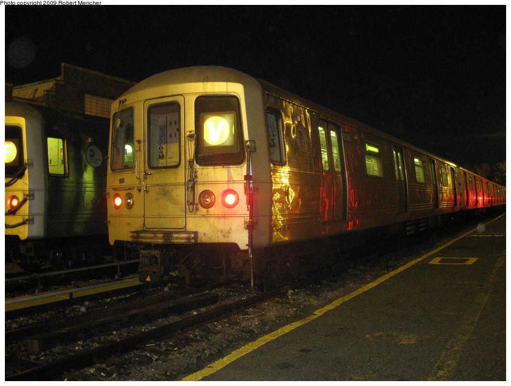 (208k, 1044x788)<br><b>Country:</b> United States<br><b>City:</b> New York<br><b>System:</b> New York City Transit<br><b>Location:</b> Jamaica Yard/Shops<br><b>Car:</b> R-46 (Pullman-Standard, 1974-75) 6090 <br><b>Photo by:</b> Robert Mencher<br><b>Date:</b> 11/3/2009<br><b>Viewed (this week/total):</b> 1 / 753