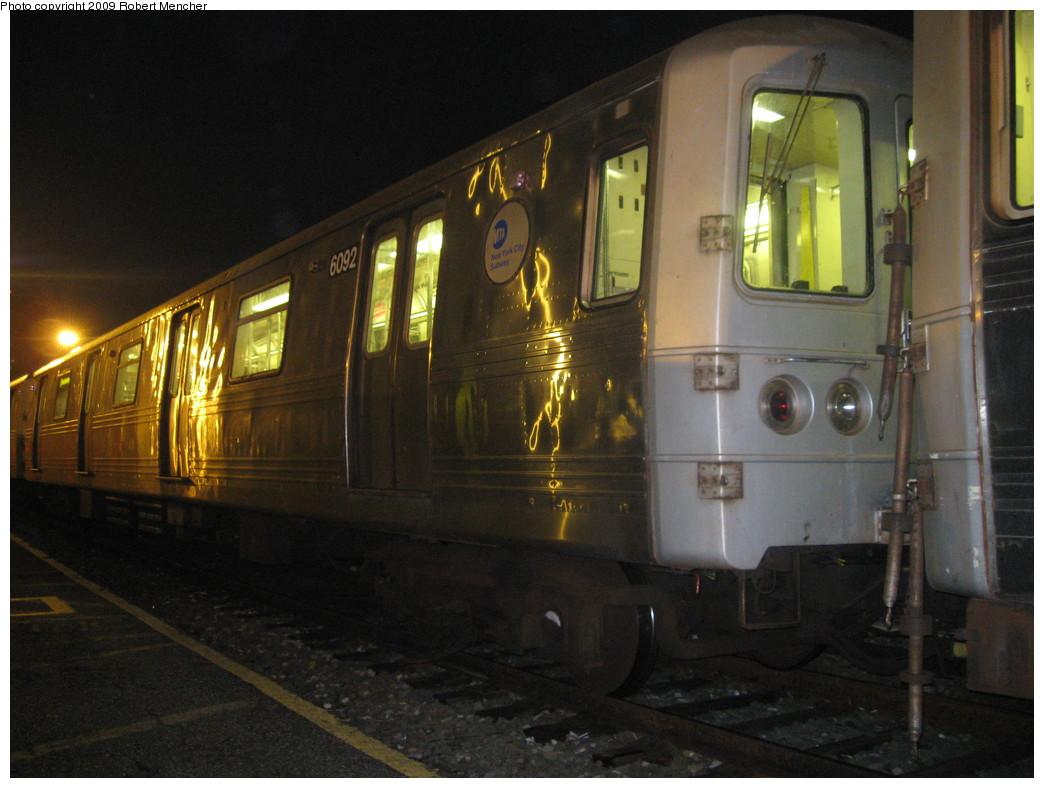 (196k, 1044x788)<br><b>Country:</b> United States<br><b>City:</b> New York<br><b>System:</b> New York City Transit<br><b>Location:</b> Jamaica Yard/Shops<br><b>Car:</b> R-46 (Pullman-Standard, 1974-75) 6092 <br><b>Photo by:</b> Robert Mencher<br><b>Date:</b> 11/3/2009<br><b>Viewed (this week/total):</b> 0 / 986