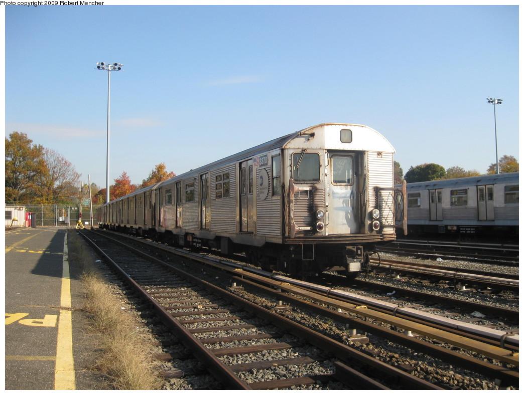 (234k, 1044x788)<br><b>Country:</b> United States<br><b>City:</b> New York<br><b>System:</b> New York City Transit<br><b>Location:</b> Jamaica Yard/Shops<br><b>Car:</b> R-32 (Budd, 1964)  3370 <br><b>Photo by:</b> Robert Mencher<br><b>Date:</b> 11/3/2009<br><b>Viewed (this week/total):</b> 4 / 1306