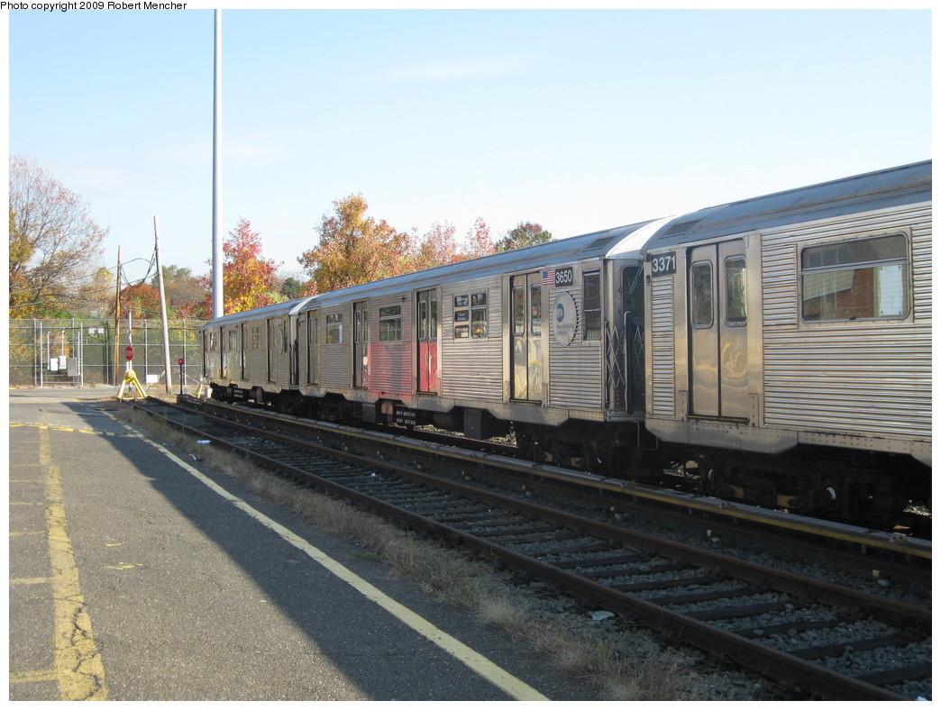 (229k, 1044x788)<br><b>Country:</b> United States<br><b>City:</b> New York<br><b>System:</b> New York City Transit<br><b>Location:</b> Jamaica Yard/Shops<br><b>Car:</b> R-32 (Budd, 1964)  3650 <br><b>Photo by:</b> Robert Mencher<br><b>Date:</b> 11/3/2009<br><b>Viewed (this week/total):</b> 4 / 1166