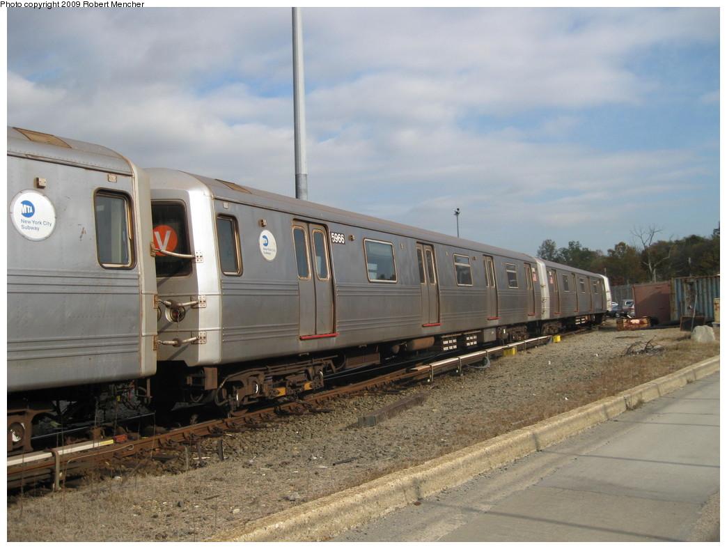 (201k, 1044x788)<br><b>Country:</b> United States<br><b>City:</b> New York<br><b>System:</b> New York City Transit<br><b>Location:</b> Jamaica Yard/Shops<br><b>Car:</b> R-46 (Pullman-Standard, 1974-75) 5966 <br><b>Photo by:</b> Robert Mencher<br><b>Date:</b> 11/3/2009<br><b>Viewed (this week/total):</b> 0 / 954