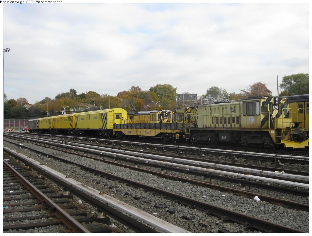 (219k, 1044x788)<br><b>Country:</b> United States<br><b>City:</b> New York<br><b>System:</b> New York City Transit<br><b>Location:</b> Jamaica Yard/Shops<br><b>Car:</b> R-77 Locomotive  889 <br><b>Photo by:</b> Robert Mencher<br><b>Date:</b> 11/3/2009<br><b>Viewed (this week/total):</b> 0 / 861