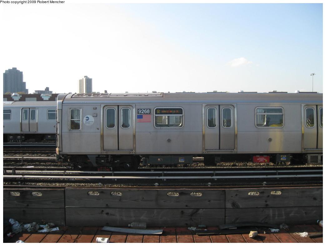 (156k, 1044x788)<br><b>Country:</b> United States<br><b>City:</b> New York<br><b>System:</b> New York City Transit<br><b>Location:</b> Jamaica Yard/Shops<br><b>Car:</b> R-160A (Option 1) (Alstom, 2008-2009, 5 car sets)  9268 <br><b>Photo by:</b> Robert Mencher<br><b>Date:</b> 11/3/2009<br><b>Viewed (this week/total):</b> 0 / 1190