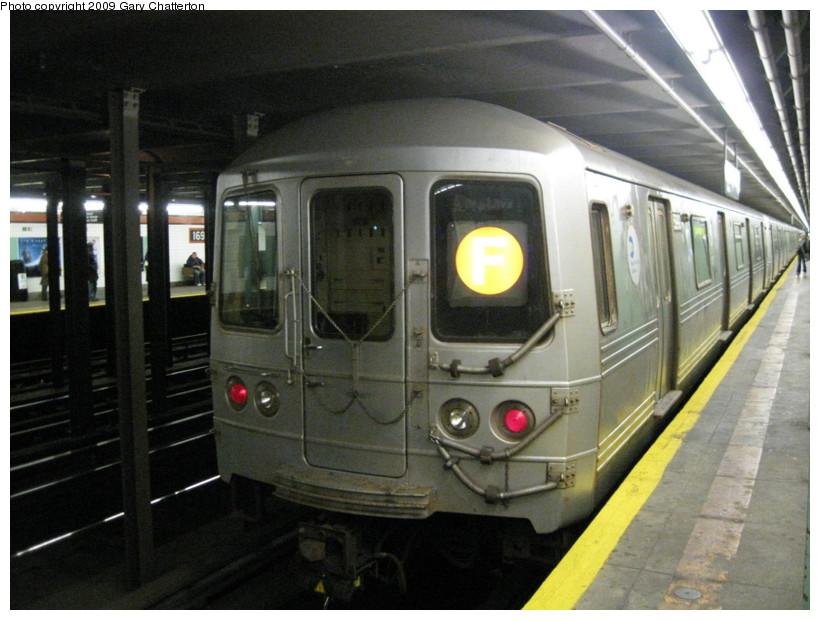 (130k, 820x620)<br><b>Country:</b> United States<br><b>City:</b> New York<br><b>System:</b> New York City Transit<br><b>Line:</b> IND Queens Boulevard Line<br><b>Location:</b> 169th Street <br><b>Route:</b> F<br><b>Car:</b> R-46 (Pullman-Standard, 1974-75) 5990 <br><b>Photo by:</b> Gary Chatterton<br><b>Date:</b> 10/29/2009<br><b>Viewed (this week/total):</b> 6 / 1889