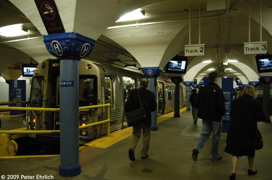 (204k, 930x618)<br><b>Country:</b> United States<br><b>City:</b> Hoboken, NJ<br><b>System:</b> PATH<br><b>Location:</b> Hoboken <br><b>Car:</b> PATH PA-4 (Kawasaki, 1986)  840 <br><b>Photo by:</b> Peter Ehrlich<br><b>Date:</b> 10/9/2009<br><b>Viewed (this week/total):</b> 0 / 878