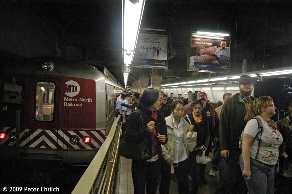 (186k, 930x618)<br><b>Country:</b> United States<br><b>City:</b> New York<br><b>System:</b> Metro-North Railroad (or Amtrak or Predecessor RR)<br><b>Line:</b> Metro-North Grand Central/Park Avenue Tunnel<br><b>Location:</b> Grand Central Terminal<br><b>Car:</b> MNRR M-2 EMU (GE/Vickers) 8457 <br><b>Photo by:</b> Peter Ehrlich<br><b>Date:</b> 10/30/2009<br><b>Viewed (this week/total):</b> 0 / 888
