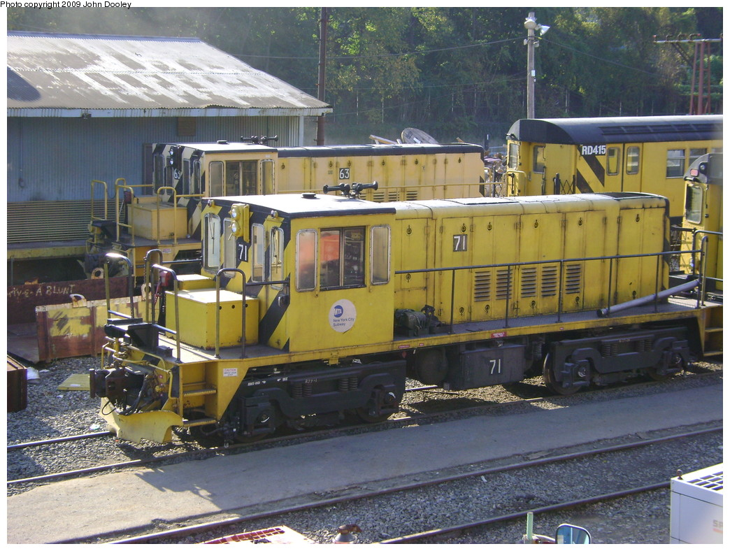 (289k, 1044x788)<br><b>Country:</b> United States<br><b>City:</b> New York<br><b>System:</b> New York City Transit<br><b>Location:</b> 36th Street Yard<br><b>Car:</b> R-52 Locomotive  71 <br><b>Photo by:</b> John Dooley<br><b>Date:</b> 11/3/2009<br><b>Viewed (this week/total):</b> 0 / 676