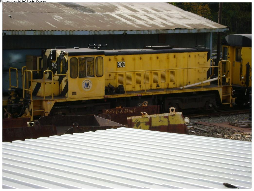 (216k, 1044x788)<br><b>Country:</b> United States<br><b>City:</b> New York<br><b>System:</b> New York City Transit<br><b>Location:</b> 36th Street Yard<br><b>Car:</b> R-77 Locomotive  902 <br><b>Photo by:</b> John Dooley<br><b>Date:</b> 11/4/2009<br><b>Viewed (this week/total):</b> 0 / 630